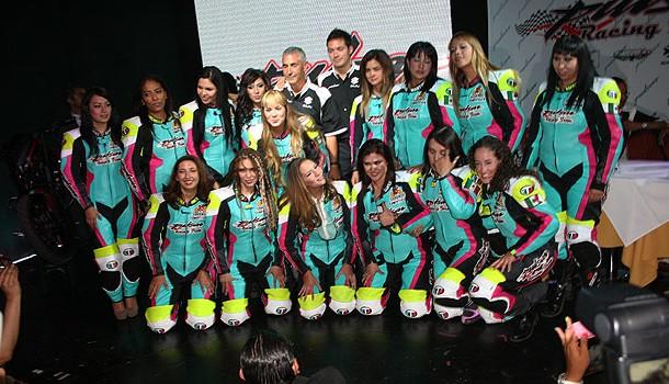 Bajaj México presenta su equipo femenil