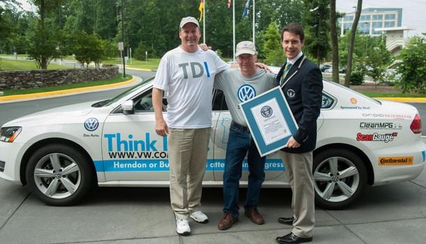 Volkswagen Passat TDI fija Record Guinness de economía de combustible