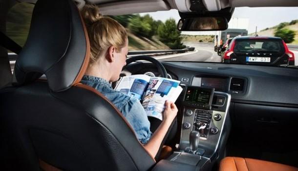 En el 2050 todos los autos se conducirán solos: IHS