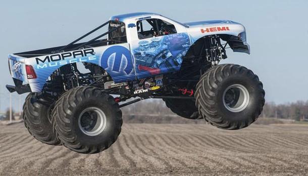 Mopar Muscle el Monster Truck de fábrica de la marca