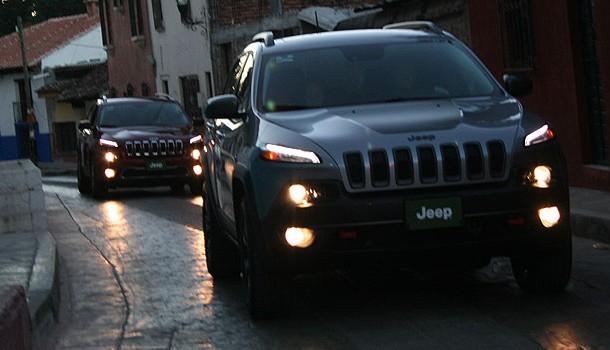 El polémico nuevo diseño del Jeep Cherokee llega a México
