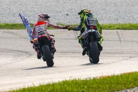 Márquez gana en Sepang tras un gran duelo con Rossi