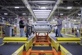 El primer tour virtual a la planta de ensamble del Chrysler 200
