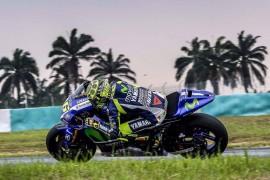 Rossi se impone al reanudarse los test en Sepang