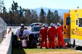 Fernando Alonso sufre accidente durante prueba en Barcelona