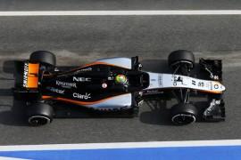 Checo y Nico rumbo a Melbourne para ronda de apertura de F1 2015