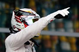 Lewis Hamilton consigue su tercera pole de la temporada
