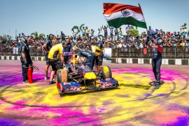 Infiniti Red Bull Racing arma la fiesta en India