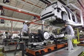 Crece 22.9% comercio de automotores nuevos en bimestre marzo-abril