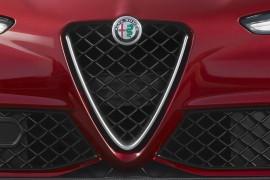 Alfa Romeo estrena logo