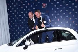 Fiat 500 recauda 250 mil euros para investigación en la cura del SIDA