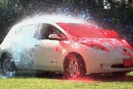 ¡Dejarás de lavar tu coche!  Nissan tiene la clave