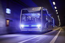 Mercedes-Benz avanza en la conducción autónoma