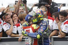 Crutchlow consigue su primera victoria en MotoGP