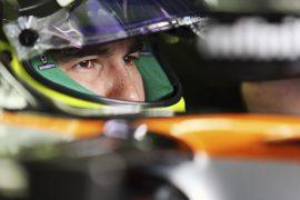 Checo Pérez regresa a la acción con dura prueba en Spa
