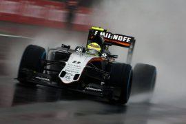 Sergio Pérez termina cuarto en Interlagos tras una gran actuación
