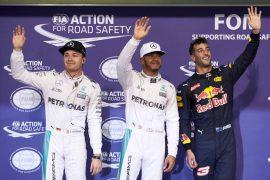Hamilton se lleva la última pole de la temporada