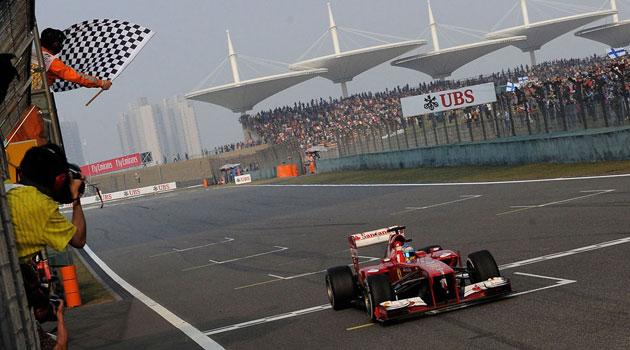 Alonso gana en China, y el espectáculo sigue perdiendo