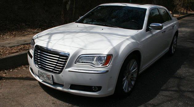 Chrysler 300C un genuino americano