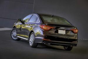 2015-Hyundai-Sonata-rear-3-4