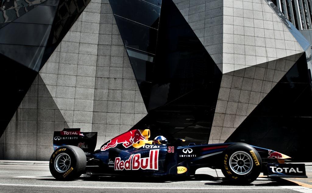La emoción que despierta la Fórmula 1 se hará sentir en Dubái con el RB7.