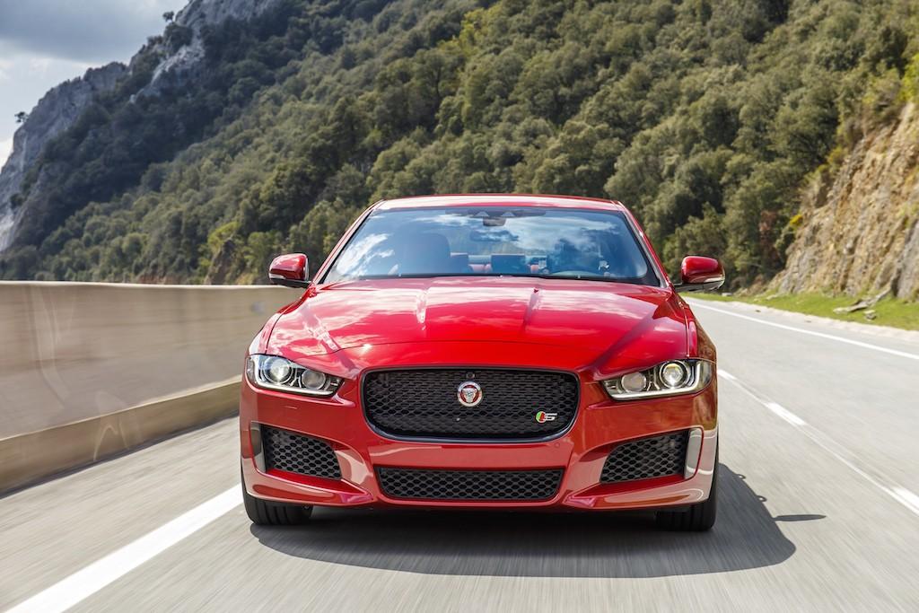 Jaguar_XE_IRR_V6S_005