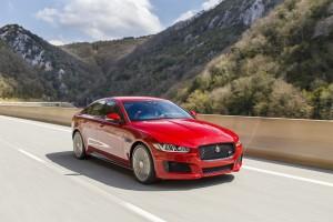 Jaguar_XE_IRR_V6S_015