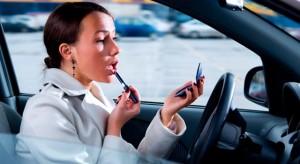 mujeres-volante-maquillaje