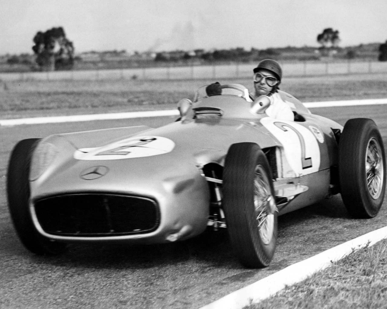 Día del Piloto, en honor a Juan Manuel Fangio