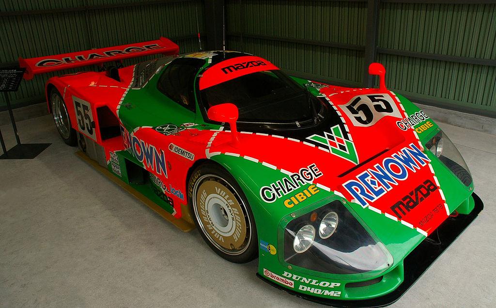 787B, primer y único bólido japonés en ganar las 24 Horas de Le Mans.