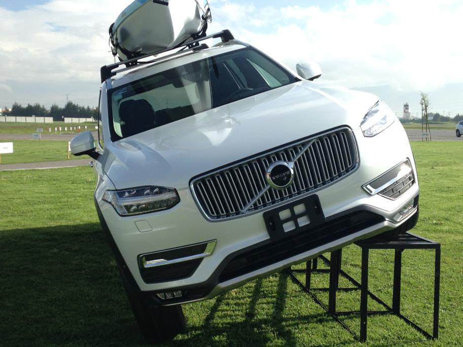 """Volvo XC90, un """"look"""" desde la pista"""