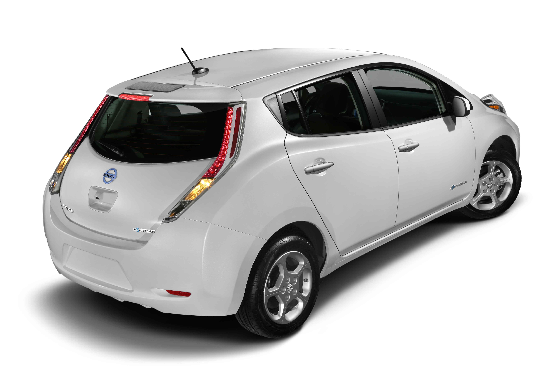 Nissan lanza app para su vehículo 100 por ciento eléctrico