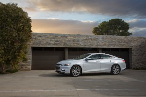 2016-Chevrolet-Malibu-side-view