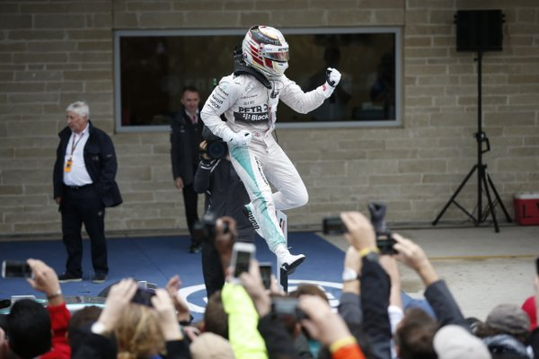 Hamilton gana en Austin y se corona como Tricampeón del Mundo