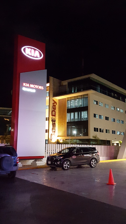 KIA Motors inauguró 25 nuevas distribuidoras de manera simultánea en México