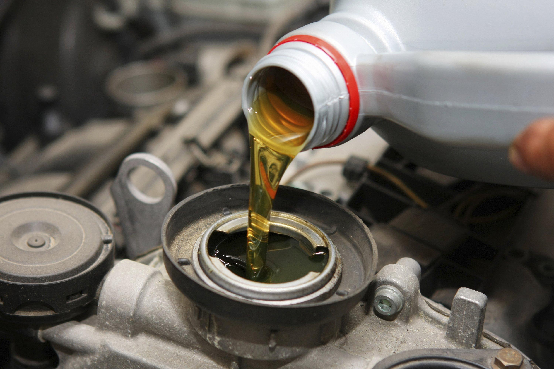 Paso a paso cómo cambiar el aceite de tu auto