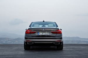 BMW P90178472_lowRes_the-new-bmw-7-series