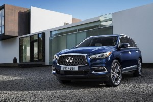 NASHVILLE (Dec. 15, 2016) – Infiniti has comprehensively enhanced its versatile QX60 premium crossover for 2016, introducing a wide range of changes that improve the seven-seater's exterior design and its driving dynamics, while showcasing new features and technologies that improve comfort, convenience and safety.