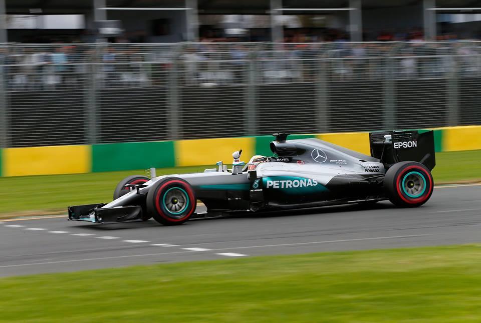 Hamilton consigue la pole, tras decepcionante sistema de clasificación
