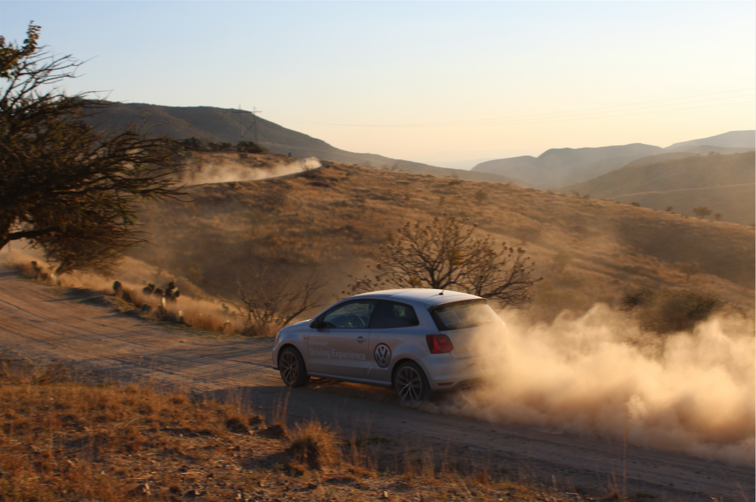 Volkswagen Polo GTI y Passat R-line, cargados de adrenalina