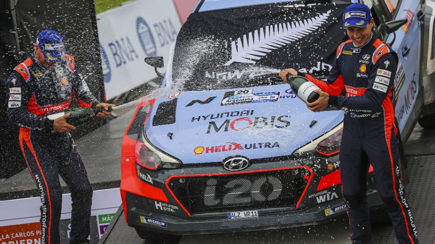 Hayden Paddon consigue su primera victoria en el WRC