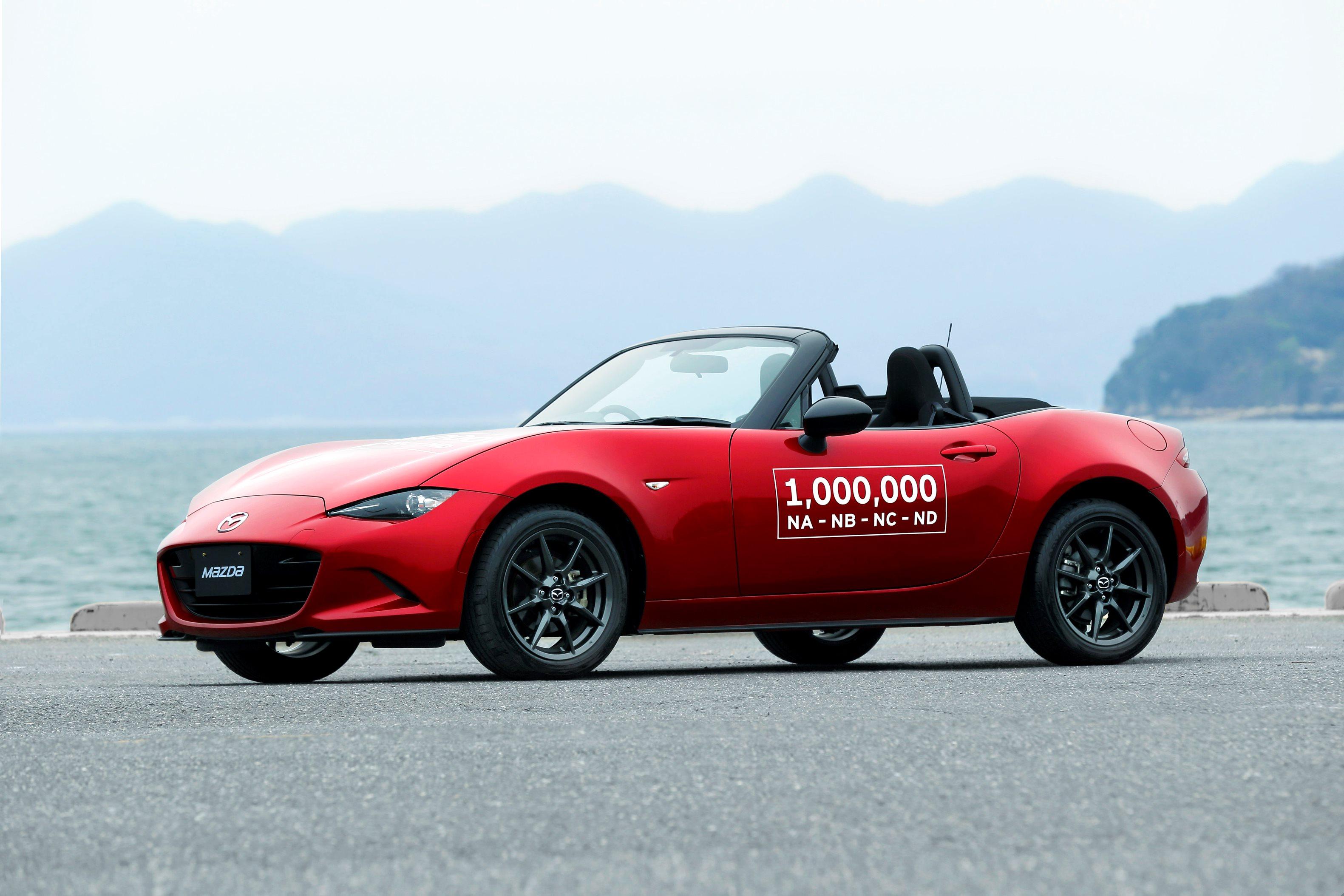 Mazda MX5, celebra un millón de autos en las calles