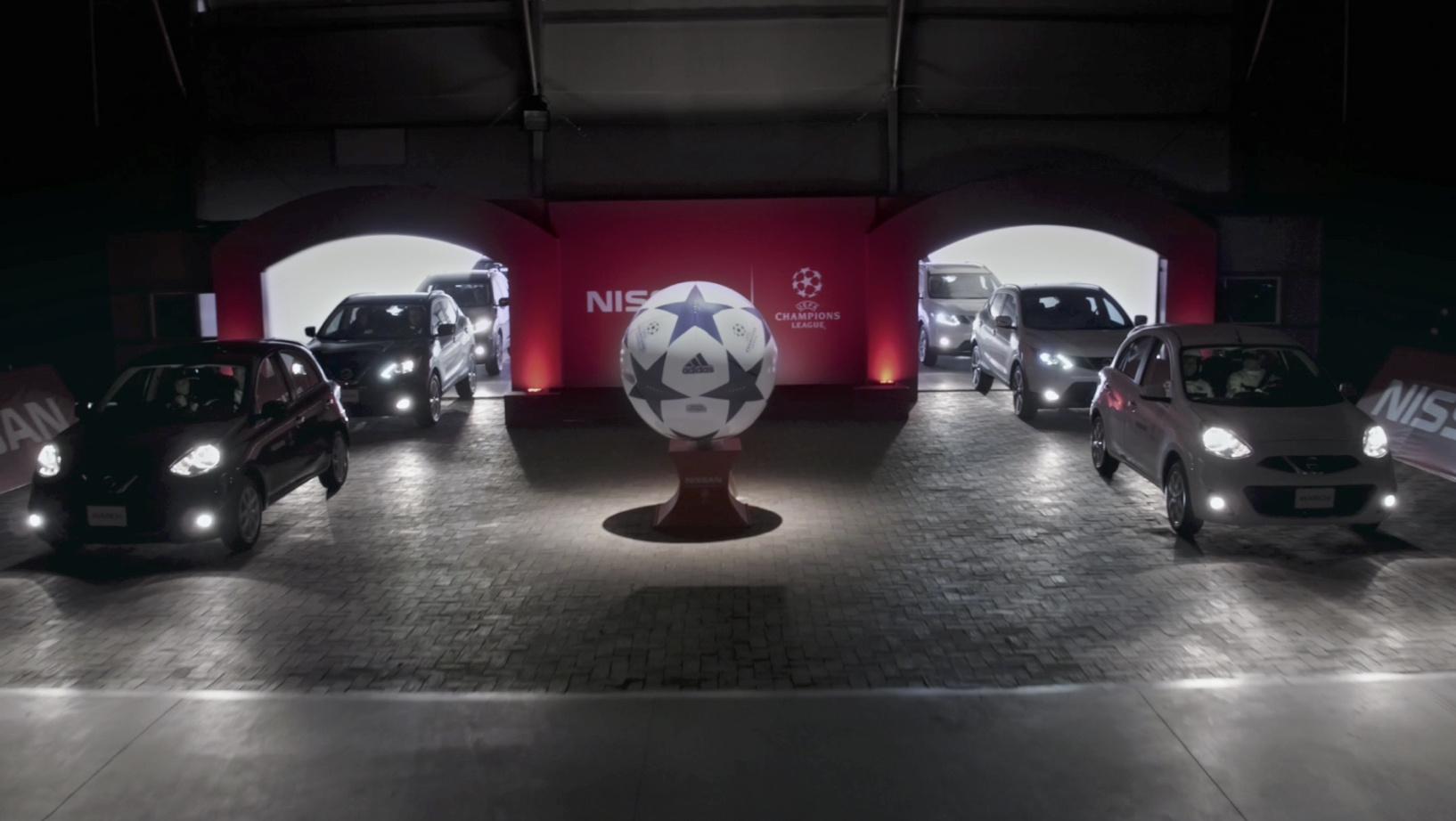 Auto-fútbol pone a Nissan como protagonista