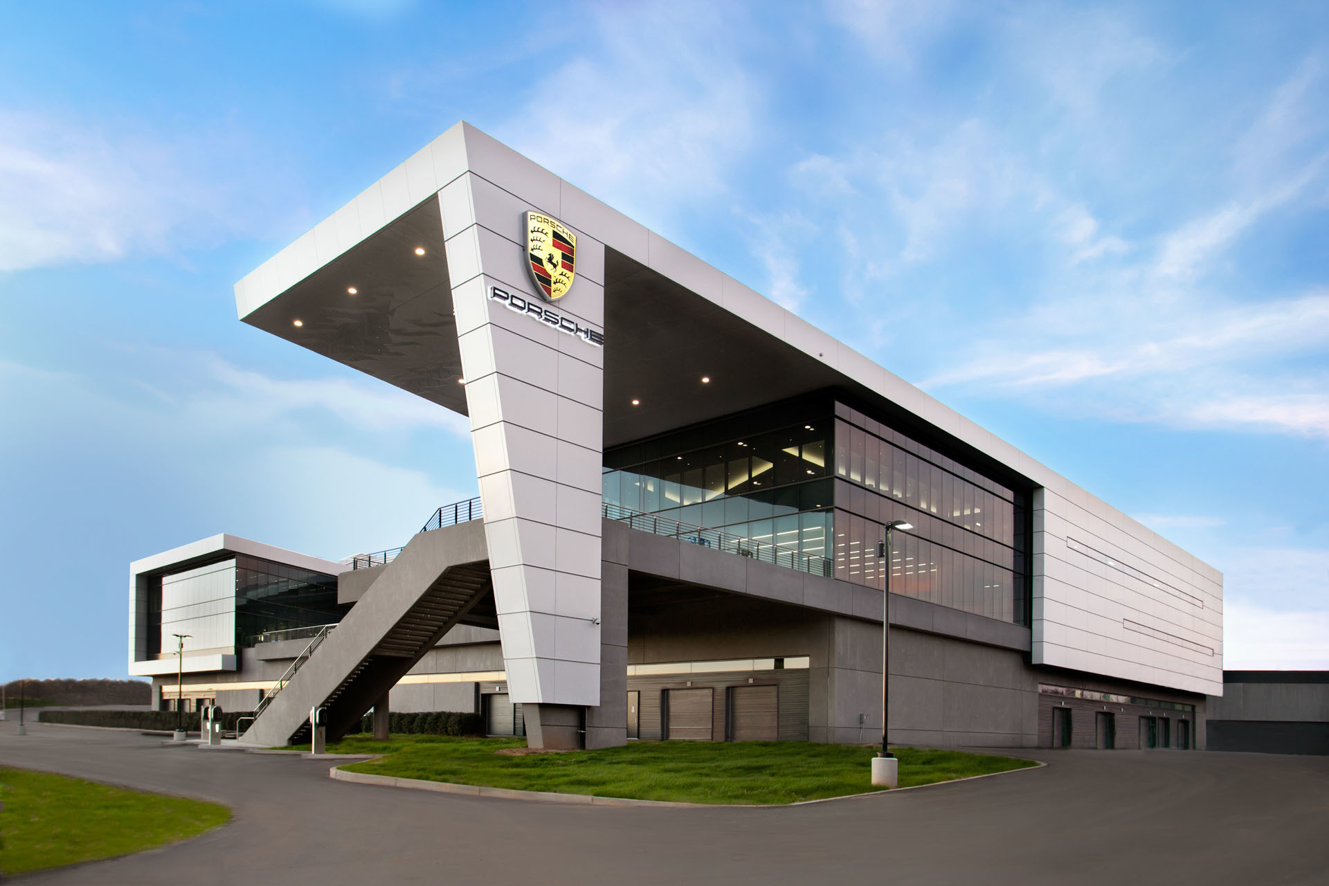 porsche-us-headquarters-and-experience-center-001-1