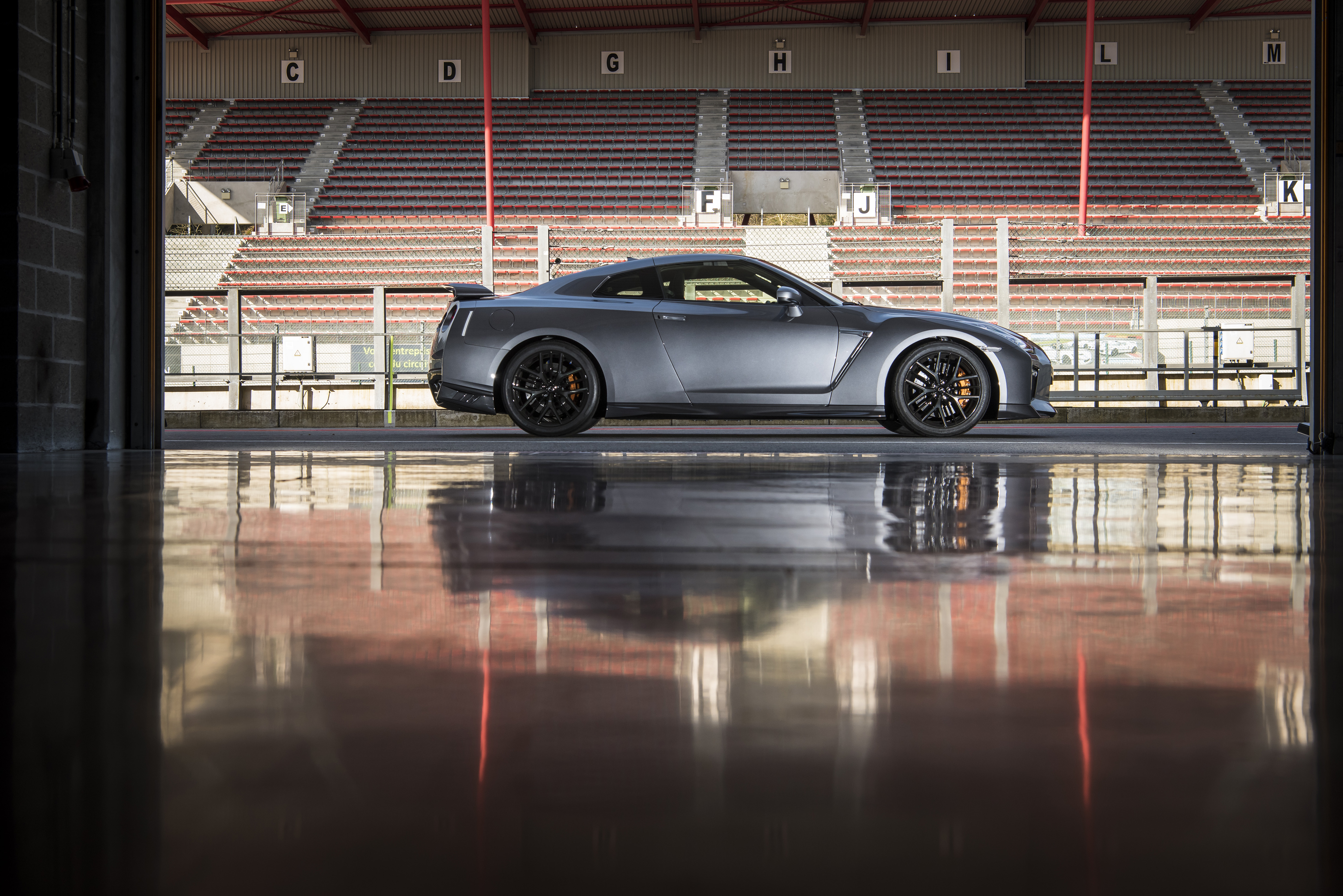 The new GT-R boasts a thoroughly refreshed exterior look that adds a high sense of style to what is already considered one of the most distinctive-looking sports cars in the marketplace.