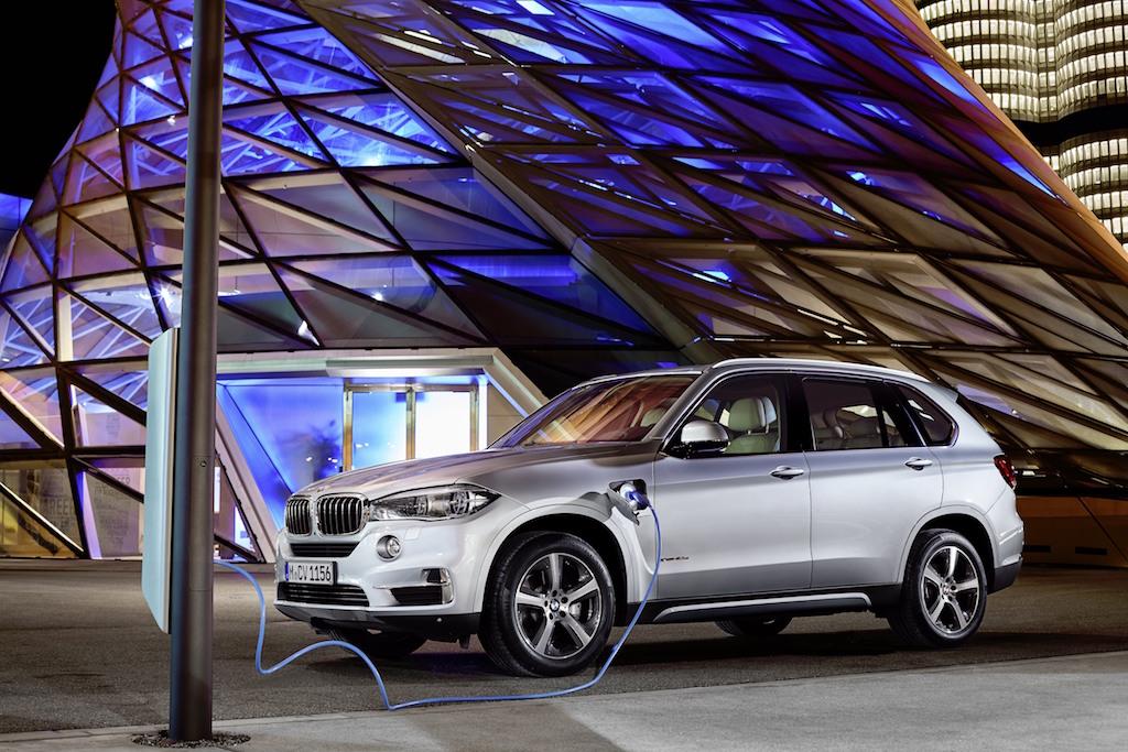 BMW X5 xDrive40e Excellence 2016, lanzamiento