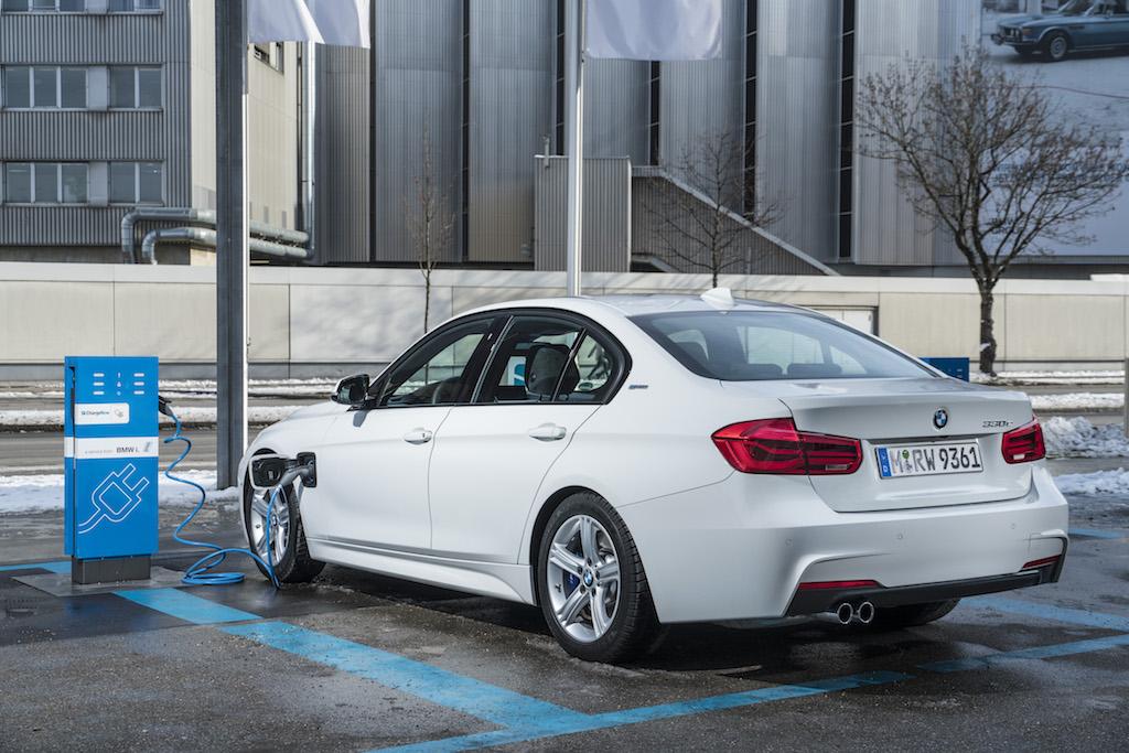 BMW 330e Luxury Line Híbrido/Automático 2017