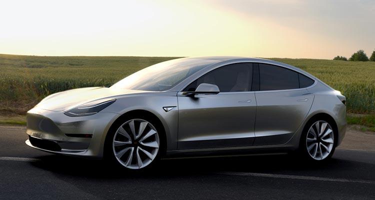 Tesla modificará procesos de producción con su Model 3, una solución riesgosa como visionaria
