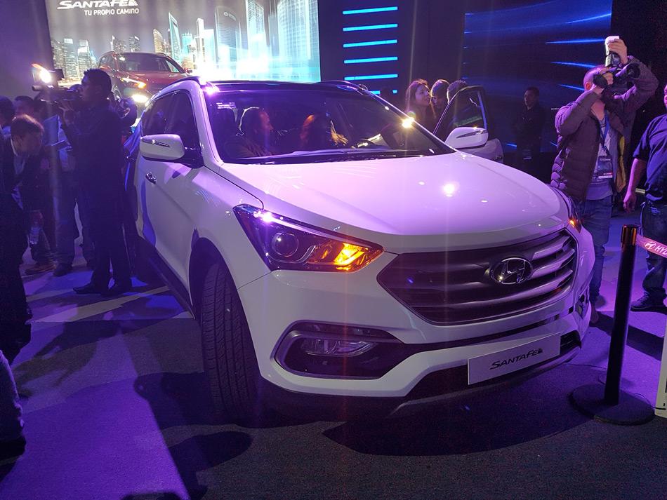 Hyundai-SantaFe-2017