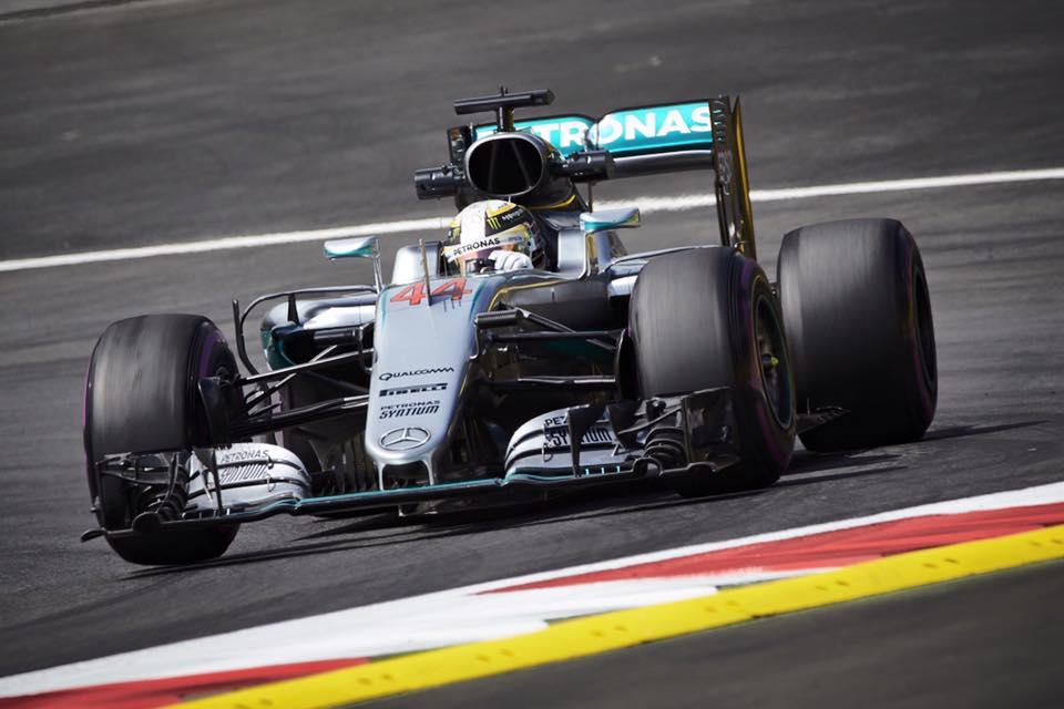 Hamilton consigue la Pole en Austria